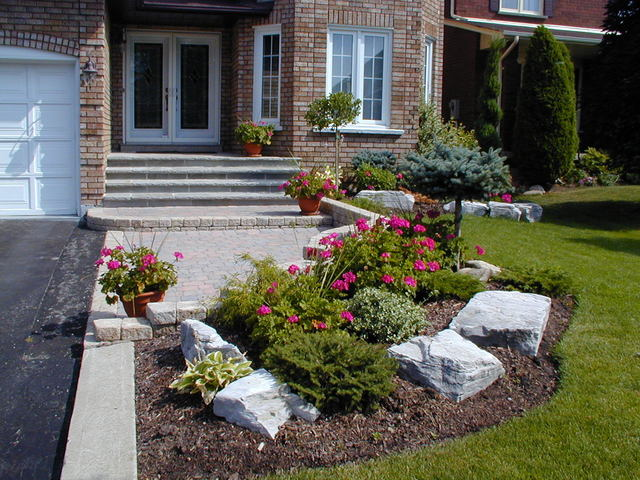 Residential landscaping portland maine front yard for Garden design richmond