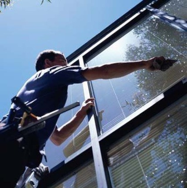 Miracle Window Cleaning Has 33 Reviews And Average Rating